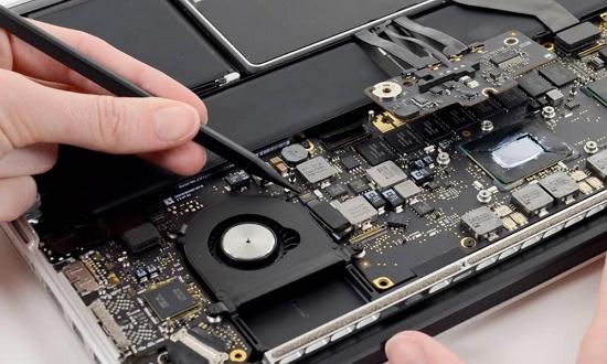 Pilih laptop yang dapat diupgrade komponennya