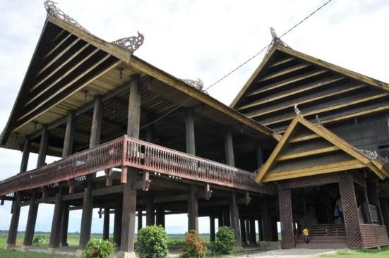 rumah adar sulawesi selatan : suku bugis
