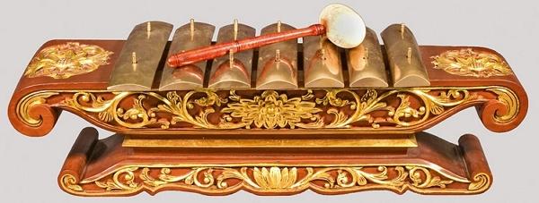 Javanese musical instruments Saron