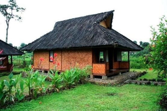 Rumah Adat Sunda Jolopong