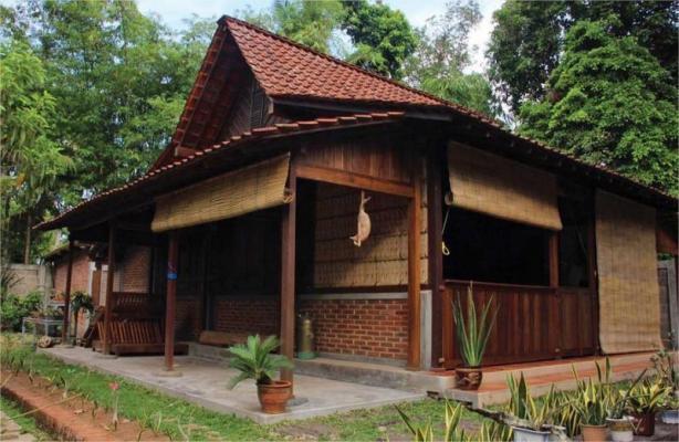 Rumah Adat Jawa Barat Tagog Anjing
