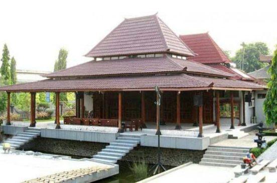 Rumah Adat Yogyakarta Bangsal Kencono Kraton
