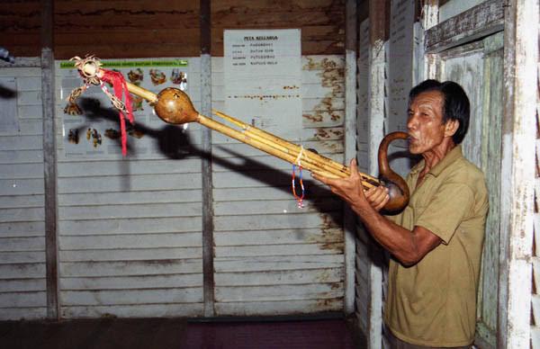 Alat Musik Kalimantan Timur Kadire