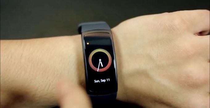 Samsung Galaxy Fit 2 - Daya Tahan Baterai Hingga 15 Hari