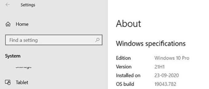 Halaman About Windows 10 21H1 Insider