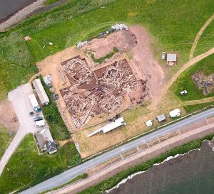 Aerial view of the Ness of Brodgar excavations. July 2012. © RCAHMS. Licensor www.rcahms.gov.uk.
