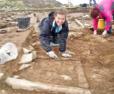 Kelsey reveals the second hearth in St 14.