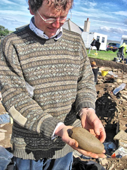 Chris Gee with his 'Swiss-Army-Stone-Tool'.