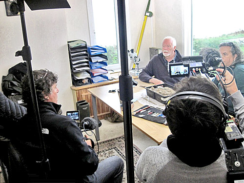 Our very own Roy Towers discusses the wonders of Grooved Ware pottery on camera.