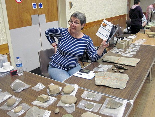Stone tools expert Ann was in the Stenness Hall, to discuss with visitors some of the artefacts found at the Ness.