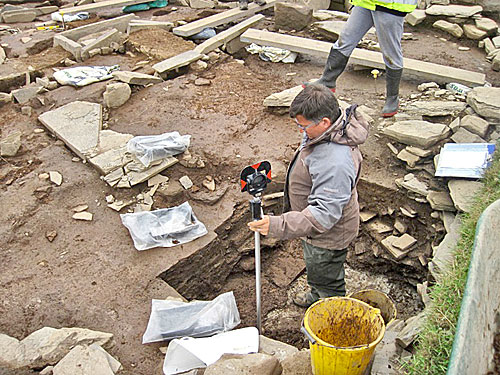 Today saw a sad farewell to Hugo, who is pictured recording some of his finds from the sondage under Structure Fourteen.