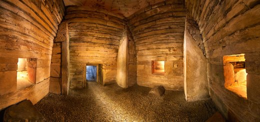 Maeshowe interior. (Jim Richardson)