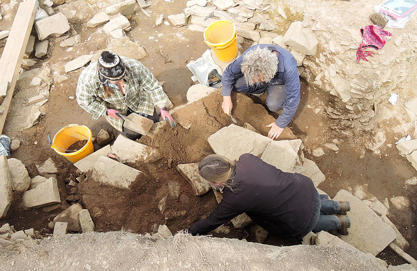 2014: Jan, Claire and Mark removing the last of the deliberate infill from the entrance to Structure Ten. (ORCA)