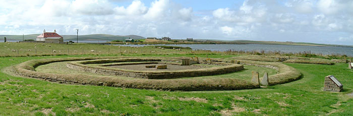 The rear of Structure Eight, looking across to the site of the Ness of Brodgar complex. (Sigurd Towrie)