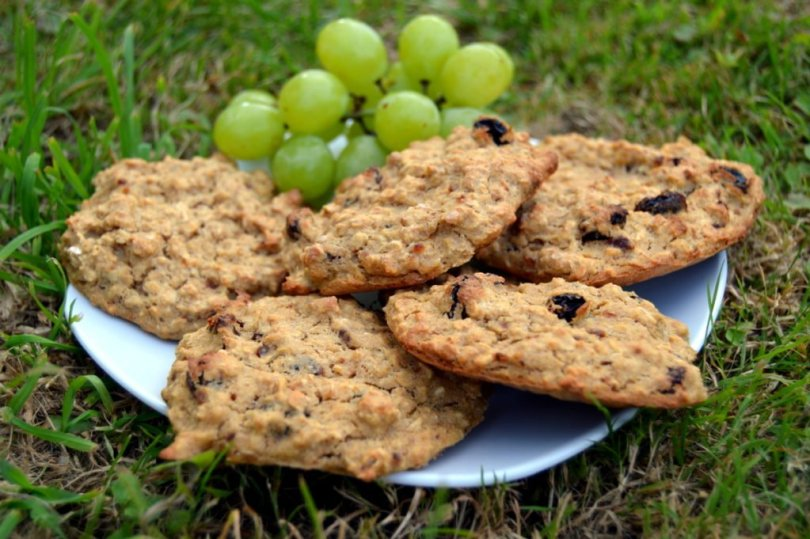 raisin banana oat biscuits on a plate