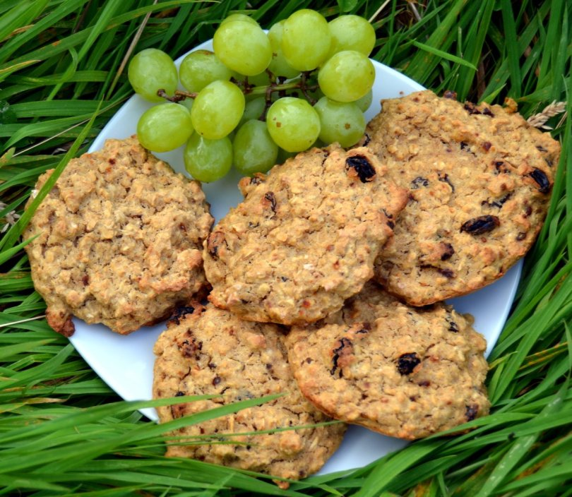 raisin banana oat biscuits recipe