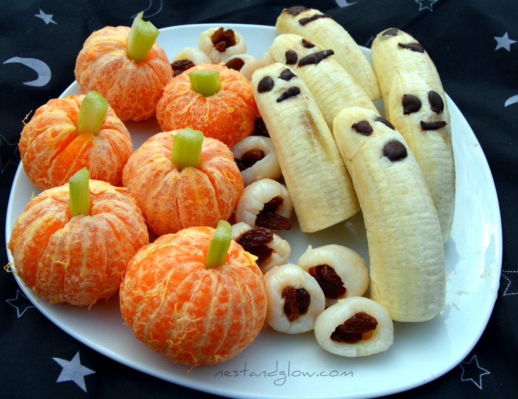 healthy halloween treats - lychee eyeballs, banana ghosts