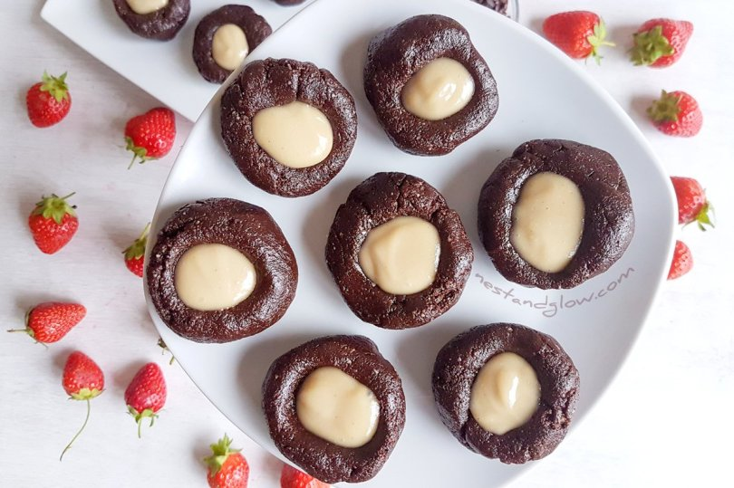 Raw Chocolate Cashew Thumbprints with Berries