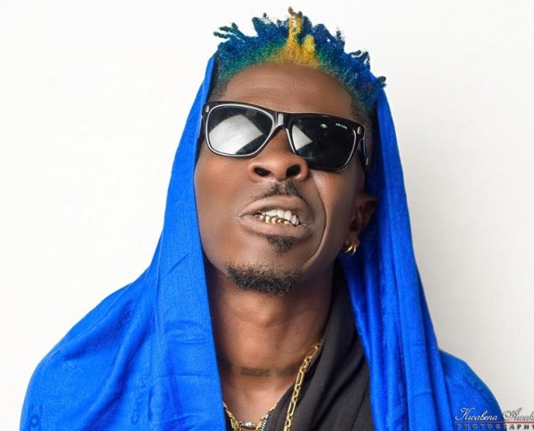 Shatta Wale replies Delay with a'sacarstic' new look