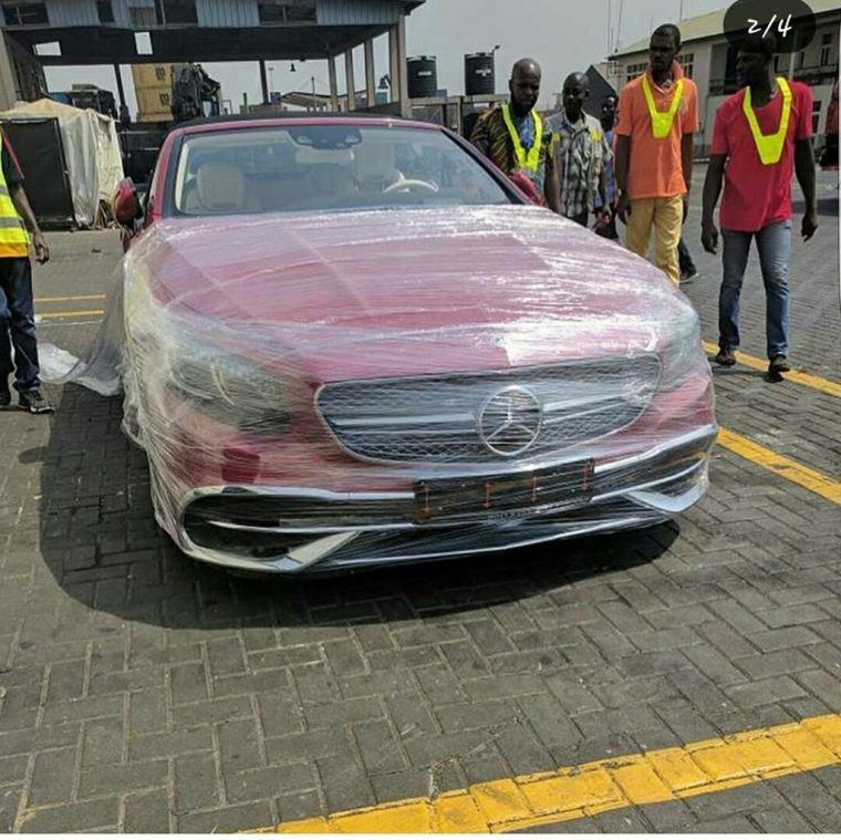 Osei Kwame Despite Walks 2018 With Mercedes-Maybach S 650 Cabriolet