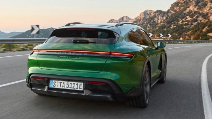 Imagen del nuevo Porsche Taycan Cross Turismo 2021