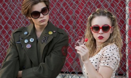 Everythings sucks !  La série teen au top de la pop !