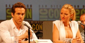 Green Lantern Comic Con 03 cropped 300x153 Qui est Ryan Reynolds, le leader du nouveau blockbuster de Netflix : Six Underground ?