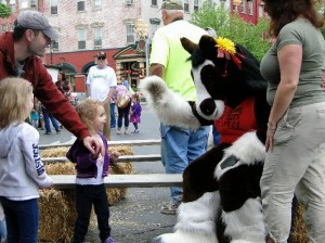 Sunny, the Easton Farmers' Market mascot