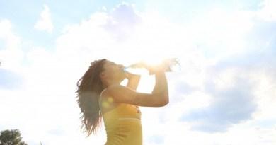 drink water in summer-Netmarkers