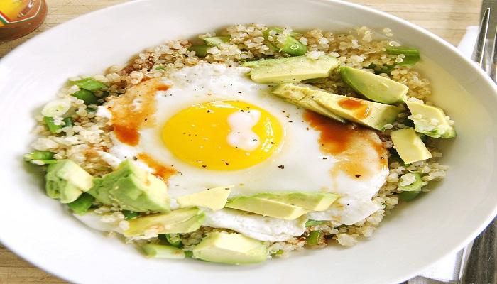 Fried egg with asparagus quinoa-Netmarkers