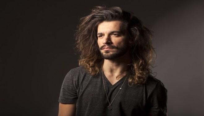 Reasons-for-Indian-American-having-long-hair-Netmarkers