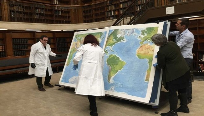 World's-largest-book-Netmarkers