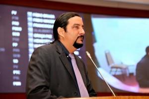 Deputado estadual Júnior Verde.