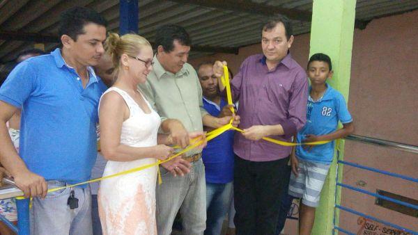 O prefeito Hamilton Nogueira Aragão, o Miltinho, durante a inauguração da escola de música de São Mateus