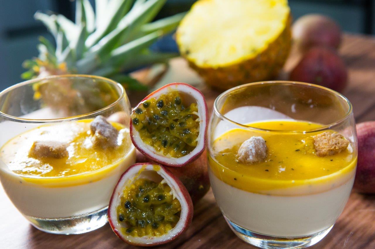 פנקוטה עם מרמלדת פירות אקזוטיים וקראמלבס שקדים צילום איתיאל ציון