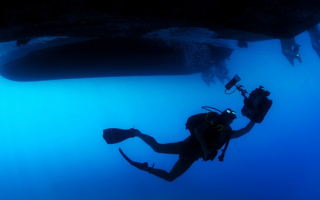 How Underwater Cables Keep the Internet Afloat [VIDEO]