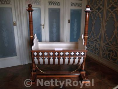 Possibly Alberts cradle