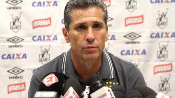 Jorginho não deve permanecer no Vasco em 2017