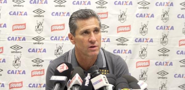 Técnico Jorginho terá um monte de pendências para resolver no Vasco