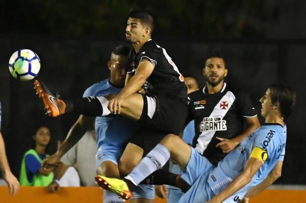 Ricardo Graça foi elogiado por Breno após atuação contra o Grêmio