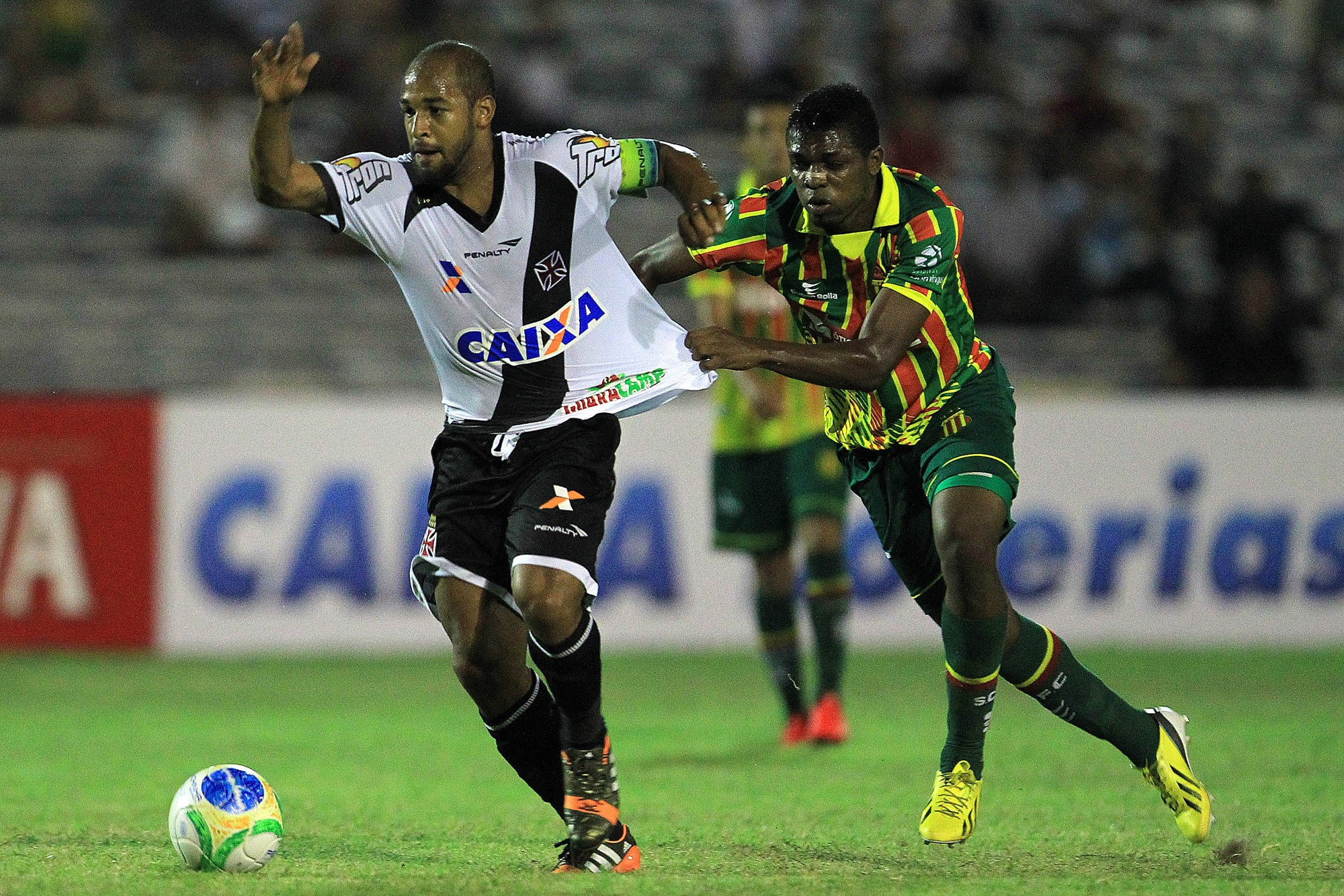 Fellipe Bastos em ação pelo Vasco em sua primeira passagem pelo clube
