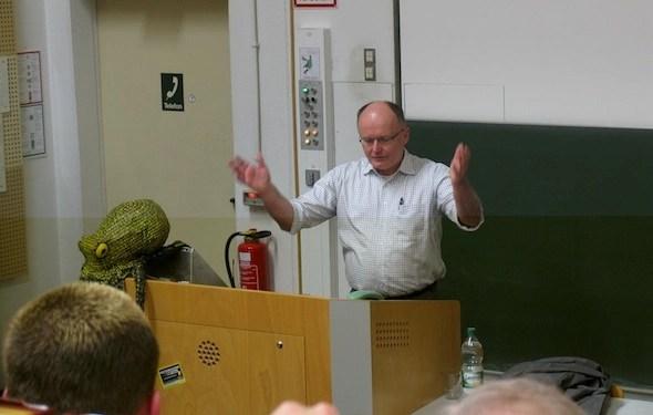 Als Dozenz für Medienrecht lehrt er an der Fachhochschule Düsseldorf. (Bild: Udo Vetter)