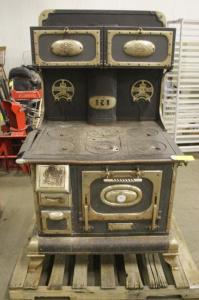 This is what Grandma's stove would have looked like; even this one is not in pristine condition. Courtesy of Auctionflex
