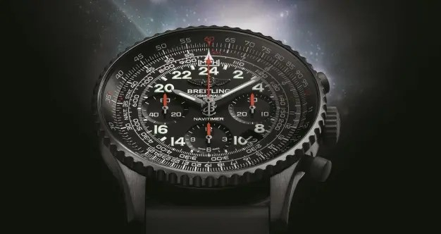 Breitling Navitimer Cosmonaute Blacksteel: Schwarz wie der interstellare Raum