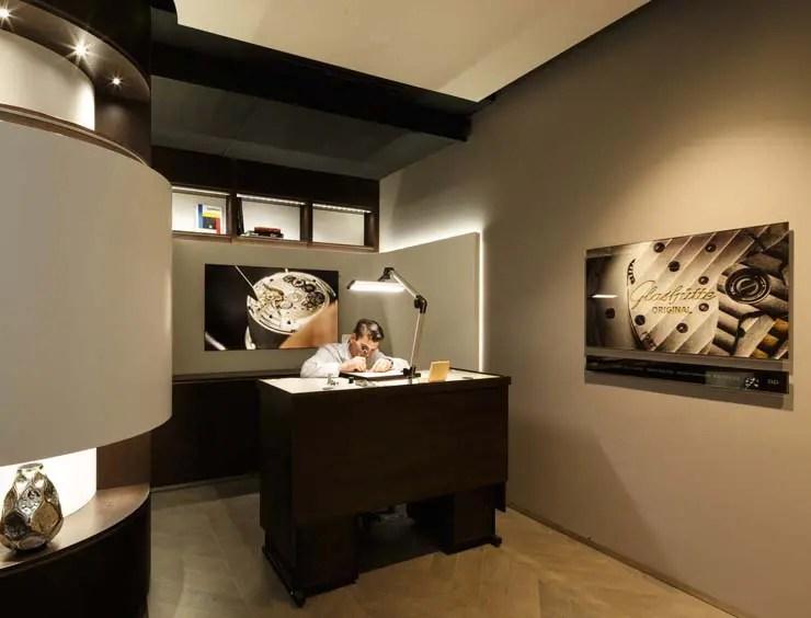 SwatchGroup - Glashütte Original Boutique Paris - Innenaufnahmen Uhrmacher
