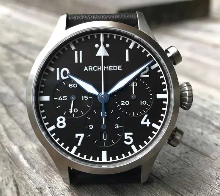 Neue Fliegeruhr von Archimede: Pilot Chronograph TriKompax