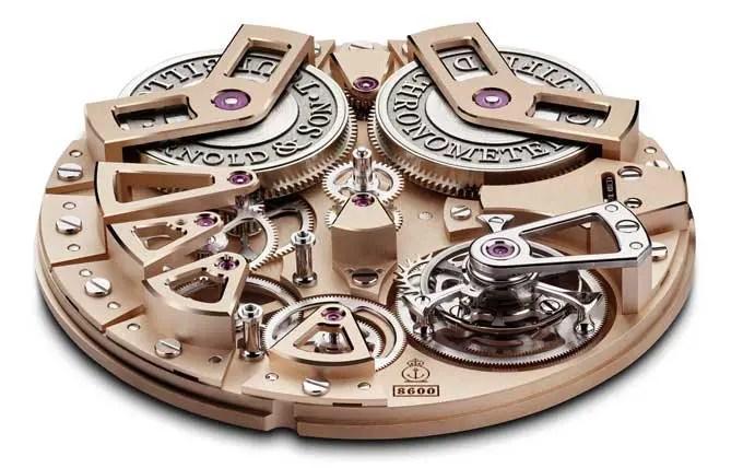 """Tourbillon Chronometer No. 36 - Gunmetal Exklusives mechanisches Uhrwerk A&S8600 von Arnold & Son, Handaufzug, rosévergoldete Hauptplatine (Zifferblatt). Sandgestrahltes Edelstahlgehäuse mit dunkelgrauer DLC-Beschichtung (""""Gunmetal""""), Durchmesser: 46 mm. © Arnold & Son"""