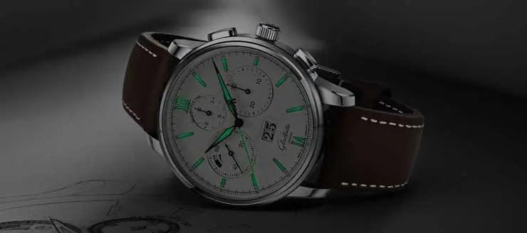 Eine ebenso so lässig wie elegante Uhr: die neue Variante des Senator Chronograph Panoramadatum.Eine neue Edelstahlvariante des erfolgreichen Modells mit faszinierenden Schwarz-Weiß-Kontrasten.