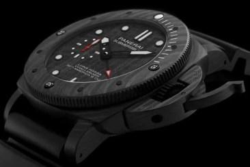 Panerai Submersible Luna Rossa – 47 mm