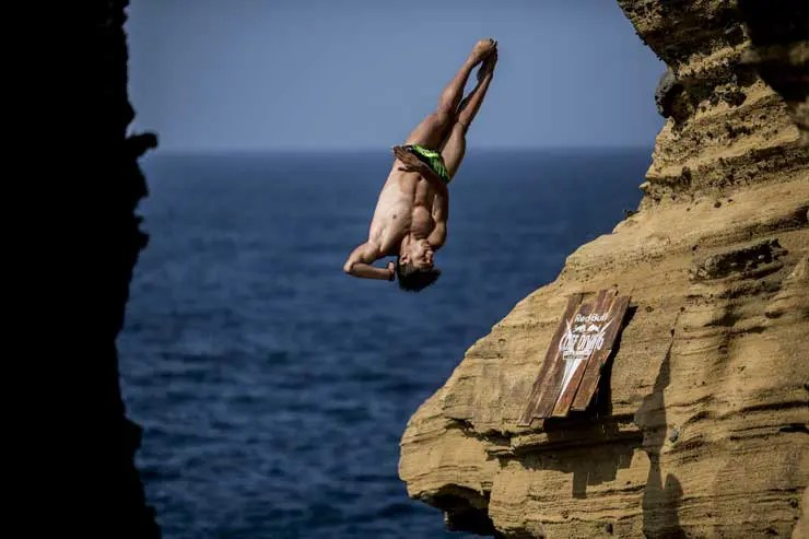 Mido Ocean Star ist Partner der Red Bull Cliff Diving World Series